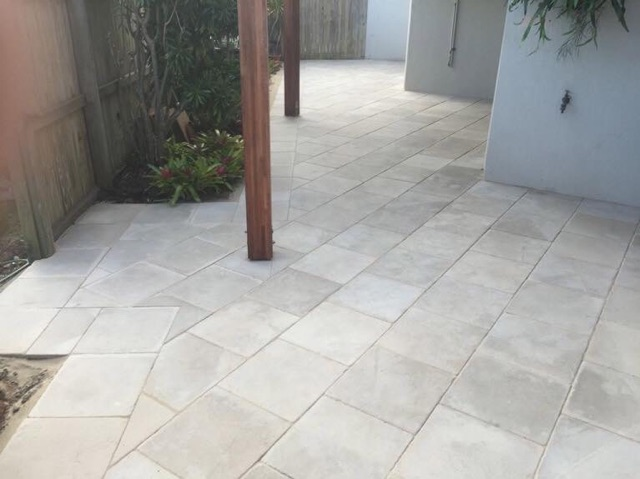 Pavescape-Landscapes Paved Courtyard