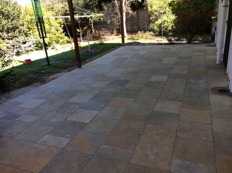 pavescape-landscapes-coloured-tile-pavement